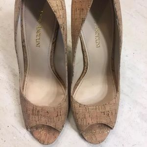 Enzo Angiolini cork and gold wedges NEW